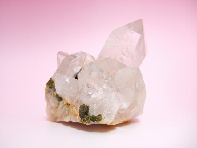 画像1: エピドート(緑れん石)付着クリスタルクラスター (水晶群晶) 232g (1)
